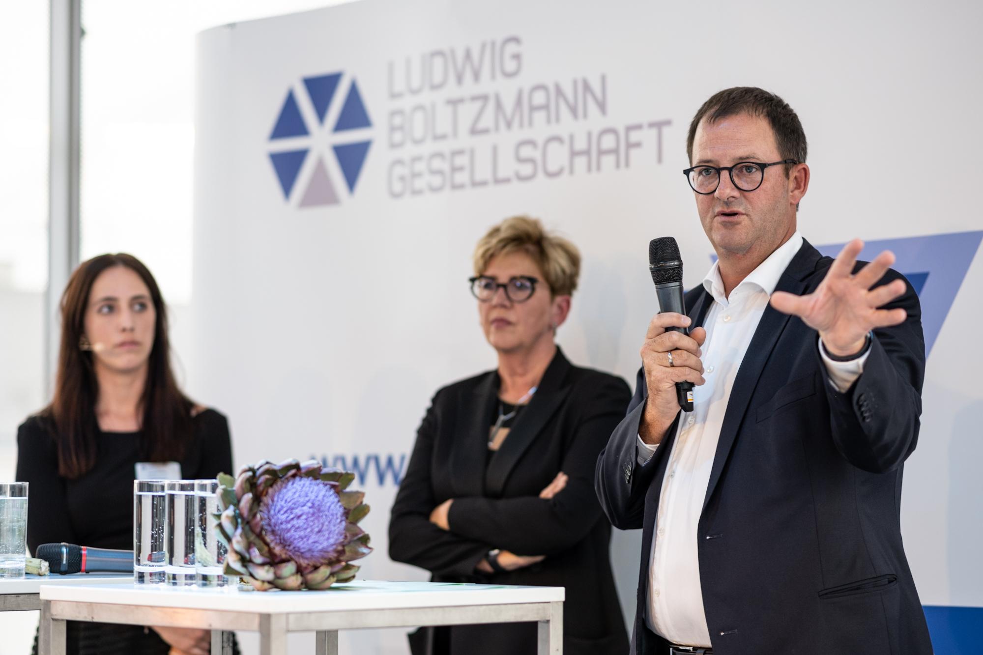 Harald Willschke präsentiert Studienergebnisse am LBG Weinherbst